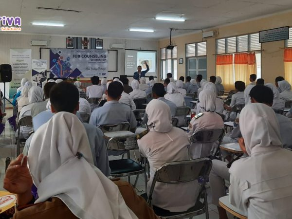 """Empower Youth for Work Program """"Job Counseling Workshop"""" di Indramayu #Day5"""