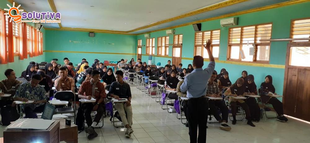 "HARI KEEMPAT: Empower Youth for Work Program ""Job Counseling Workshop"" di Indramayu dihadiri 63 Siswa SMK Negeri 1 Losarang Indramayu."