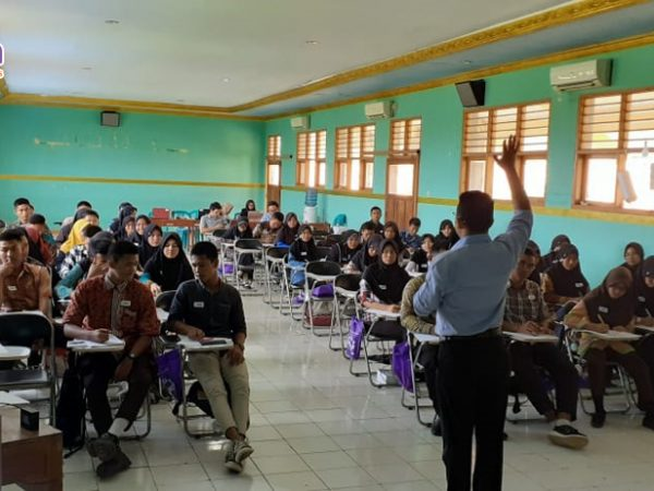 "Empower Youth for Work Program ""Job Counseling Workshop"" di Indramayu #Day4"