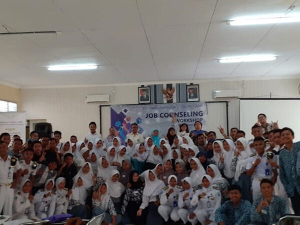 """Empower Youth for Work Program """"Job Counseling Workshop"""" di Indramayu"""